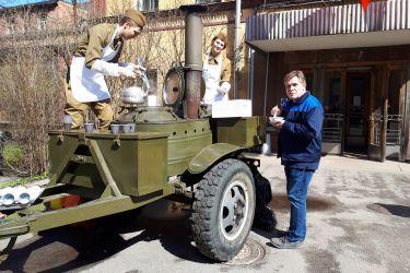 """28 апреля в ОАО """"НПО ЦКТИ"""" состоялся субботник по благоустройству территории и уборке служебных помещений."""