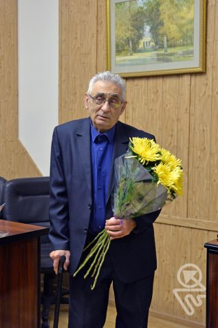 "By Order No. 330p dated December 10th, 2019, the Ministry of Industry and Trade of the Russian Federation awarded the honorary title ""Honorary Machine Builder"" to Zolotogorov Mikhail Semyonovich"